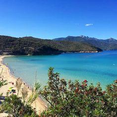 Buongiorno dal golfo della #biodola a #portoferraio nello scatto di @guidopisani. Continuate a taggare le vostre foto con #isoladelbaapp il tag delle vostre vacanze all'#isoladelba. http://ift.tt/1NHxzN3