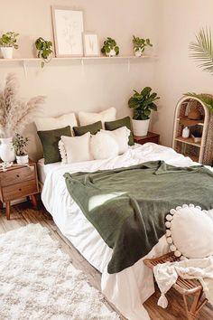 Room Ideas Bedroom, Home Bedroom, Bedroom Wall, Master Bedroom, Bedrooms, Bedroom Inspo, Earthy Bedroom, Bedroom Green, Bedroom Designs