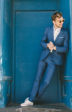 Fashion Menswear Collection , New trends and luxury details that make a difference Wedding Men, Wedding Suits, Men Looks, Club Of Gents, Men Photoshoot, Suits For Sale, Photography Poses For Men, Men Street, Suit And Tie