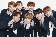 BTS Family Photo 2017