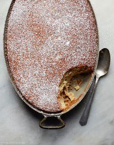 Grandma's Buttermilk Banana Cake Recipe - House of Brinson - Cake Recipes No Bake Desserts, Just Desserts, Delicious Desserts, Yummy Food, Baking Desserts, Health Desserts, Food Cakes, Cupcake Cakes, Cupcakes