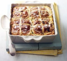 Hot cross bread & lemon pudding, perfect for easter when the family comes around. An Easter afternoon treat. Spring Recipes, Easter Recipes, Dessert Recipes, Spring Meals, Pudding Recipes, Easter Ideas, Recipes Dinner, Cake Recipes, Bbc Good Food Recipes