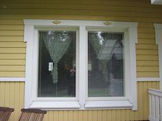 Nykyaikaiset ikkunat nykyaikaisessa talossa