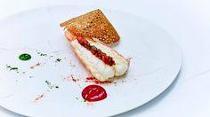 Au menu du Cinq, le savoir-faire culinaire français au service des meilleurs ingrédients du terroir. Un restaurant de Paris distingué par deux étoiles Michelin.