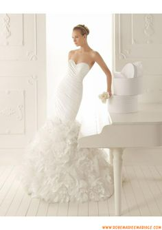 Robe de mariée sirène taffetas fleurs d'organza