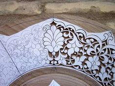 Latest Trend In Embroidery on Paper Ideas. Phenomenal Embroidery on Paper Ideas. Cutwork Embroidery, Paper Embroidery, Embroidery Patterns, Carving Designs, Stencil Designs, Metal Art, Wood Art, Motif Arabesque, Pintura Country
