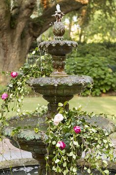 Flower filled water fountain | Gillian Ellis Photography | see more on: http://burnettsboards.com/2016/01/unique-garden-glam-bridal-session/
