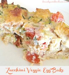 Vegetable Egg Bake - this is SO delicious and a great option for those who don't want meat. You can cut into squares and freeze individual serving sizes for meal prep! Fried Egg Recipes, Gourmet Recipes, Cooking Recipes, Healthy Recipes, Healthy Dinners, Healthy Foods, Healthy Life, What's For Breakfast, Breakfast Recipes