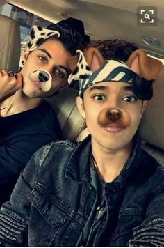Read CAPÍTULO 2 from the story 《¿¡de odio a amor!》 by Pri_pimentel (cncowner with 155 reads. O Love, I Love Him, Joel Pimentel Snapchat, Cnco Snapchat, Memes Cnco, Twitter Bio, Five Guys, Real Man, Man Crush