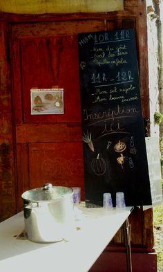 Vin chaud et ateliers enfants autour du goût pour le stand de l'APE - Marché de producteurs
