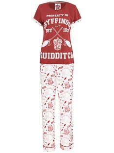 Ladies Harry Potter pajamas These magical Harry Potter pjs are perfect for any Quidditch fanatic The Burgundy top comes with the design for the Gryffindor Quidditch team on the front, as well as cool rolled up sleeves Harry Potter Quidditch, Harry Potter Pyjamas, Harry Potter Shirts, Harry Potter Outfits, Girls Pajamas, Pajamas Women, Women's Pajamas, Burgundy Top