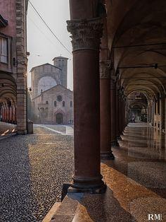 Giochi di luce, piazza Santo Stefano, Bologna | Riki melons | Flickr