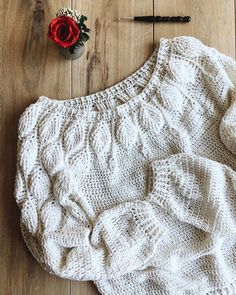 Crochet jumper Free crochet patterns for beautiful white jumper. Simple and unusual idea to crochet warm jumper Free crochet patterns for beautiful white jumper. Simple and unusual idea to crochet warm jumper Pull Crochet, Crochet Shirt, Crochet Cardigan, Free Crochet, Knit Crochet, Crochet Sweaters, Crochet Jumper Free Pattern, Crochet Jumpers, Crochet Tops