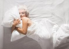 We dive under the sheets with the captivating starlet, courtesy of Douglas Kirkland's smouldering photo book. With Marilyn : An Evening/1961 Photography by Douglas Kirkland