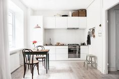 A serene Swedish space with pretty pastels
