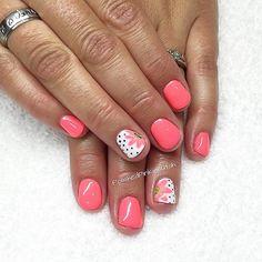 Summer nails , coral nails
