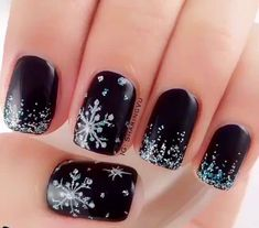 Have a look at the collection of 15 winter black nail art designs, ideas & stickers of these winter nails are amazing. Snowflake Nail Design, Snowflake Nails, Snowflakes, Xmas Nails, Holiday Nails, New Year's Nails, Diy Christmas Nails Easy, Valentine Nails, Halloween Nails