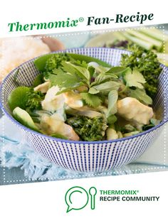 Recipe Thai Green Chicken Curry with Coconut Rice by Thermo Nutritionist, learn to make this recipe easily in your kitchen machine and discover other Thermomix recipes in Main dishes - others. Thai Green Chicken Curry, Thai Curry Recipes, Cooking Recipes, Healthy Recipes, Healthy Food, Coconut Rice, Other Recipes, Main Meals, Food Hacks
