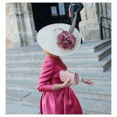 Blog de moda y lifestyle que nace con el objetivo de inspirar a invitadas y novias que quieran lucir perfectas en sus grandes eventos. Madrid