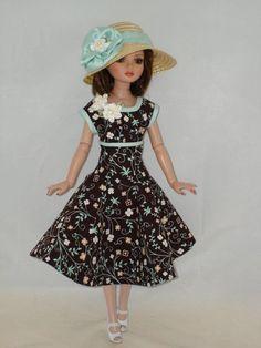 "Ellowyne OOAK ""Sunday Best"" Outfit, via eBay SOLD  5/18/15 $24.99"