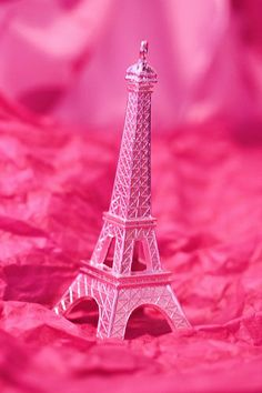 Pink Eiffel Tower For The Tables We Got Engaged In Paris Magenta
