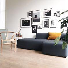 Minimalist Home Decor, Minimalist Interior, Wall Design, House Design, Interior Styling, Interior Design, Black And White Interior, Living Room Designs, Living Rooms