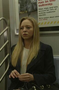 Angela Moss in Mr. Robot S01E10
