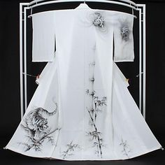 Tumblr ... Really like this hanger ... Not to mention the kimono!!!