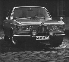 nice headlights... not seen this before but it looks surprisingly modern | 1966 BMW 2000 CS