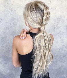 12 Christmas Hairstyles to Wear in Easy Hairstyles for Christmas - Nadine - Hair Styles Easy Hairstyles For Long Hair, Braids For Short Hair, Box Braids Hairstyles, Pretty Hairstyles, Wedding Hairstyles, Hairstyles Haircuts, Long Haircuts, Hairstyles Pictures, Funky Hairstyles