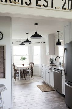 16 Gorgeous Modern Farmhouse Kitchen Backspash Ideas