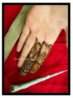 Not a fan of dulhan/dulha mendhi designs usually, but this is pure artistry