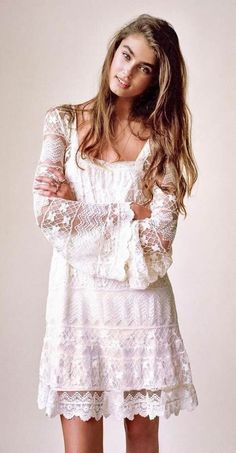 Kimchi blue buttercup lace bell-sleeve dress things i like п Dresses For Teens, Trendy Dresses, Nice Dresses, Casual Dresses, Short Dresses, Dresses With Sleeves, White Boho Dress, White Lace, White Bohemian