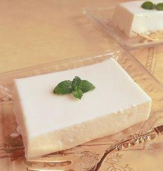 濃厚とろける♡お豆腐レアチーズケーキ Dessert Cake Recipes, Sweets Recipes, Vegan Sweets, Healthy Sweets, Tofu, Yogurt Recipes, Asian Desserts, Japanese Sweets, Food And Drink