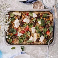 Ylistys keväälle - varhaiskaalisalaatti   Kokit ja Potit -ruokablogi Couscous, Kung Pao Chicken, Cobb Salad, Ethnic Recipes, Food, Essen, Meals, Yemek, Eten