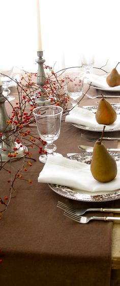 Rustic Elegant Thanksgiving Table #rustic #Thanksgiving #tablesetting