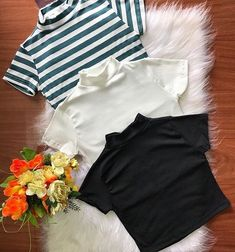 Cropped Gola Alta com manga 🛍❤️#Atitudeboutique😱🥰 SOLICITAR CORES DISPONÍVEL! Corre pra garantir a seu ! 💕💕💕 👇🏻Leiam a legenda! Como… Teenage Girl Outfits, Cute Girl Outfits, Dance Outfits, Outfits For Teens, Fall Outfits, Denim Fashion, Fashion Outfits, Clothing Photography, Cool Street Fashion