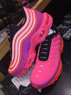 Shoes # Flawless Game Shoes Source by schweigerdan shoes Cute Sneakers, Shoes Sneakers, Shoes Sandals, Sock Shoes, Shoe Boots, Estilo Nike, Baskets, Fresh Shoes, Hype Shoes