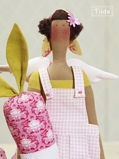 Redefined Essentials Collection: Tilda's feminine world of sewing and paper craft....