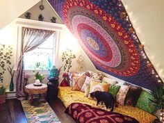 rooms, tapestry