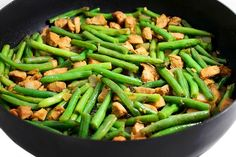 Panda's String Bean Chicken Breast (Copy-cat) I love this dish at Panda Express. It's one of their Wok Smart items which means it's a healthier choice; lower in calories and fat. I actually think my version is even tastier. Each serving has Ww Recipes, Asian Recipes, Chicken Recipes, Dinner Recipes, Cooking Recipes, Healthy Recipes, Copycat Recipes, Cleaning Recipes, Dinner Ideas