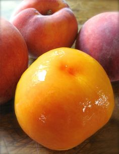 How to peel a Peach without using a knife.