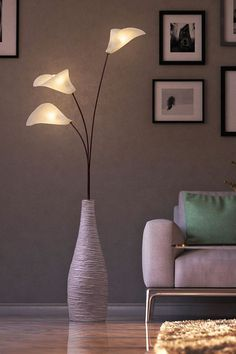 The CaLla flower manifests itself in nature as an intimate secret of forms: the beauty and playfulness of the petals convex/concave surfaces have inspired us to create this light sculpture. Decor, Room Paint Colors, Lamp Design, Flower Lamp, Home Decor, Rustic Outdoor Decor, Types Of Furniture, Interior Design Pictures, Lighting Design Interior