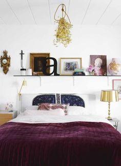 Sleek Scandinavian Interior with Unique Chalkboard Wall : Beauty Scandinavian Style Bed With Gold Lamp Shade Decor Scandinavian Style Bedroom, Scandinavian Interior Design, Home Interior, Modern Interior, Gold Bedroom, Modern Bedroom, Bedroom Decor, Bedroom Ideas, Design Bedroom
