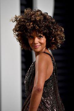 46 Besten Halle Berry Frisur Bilder Auf Pinterest Women Short Hair