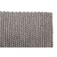 PRIMAVERA RUG | Het vloerkleed is met de hand geweven en bestaat uit 100% wol. Door de verschillende subtiele kleurtinten (naturel beige en bruin) springt het kleed echt uit het oog. Dankzij haar dikte (circa 2cm.) en veel het gebruik van natuurlijke materiaal (wollen garen) zijn de matte kleuren erg duurzaam en makkelijk te onderhouden.#vloerkledenloods #modern #rug #home #interiordesign #carpet #vloerkleed