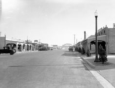This is Main Street in Boulder City, Nevada, Aug. This is what the town looked like when Carol was living there. Main Street, Street View, Boulder City, Hoover Dam, Bouldering, Geography, Nevada, Mount Rushmore, Maine