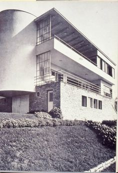 ! Budapest, kétlakásos ház, Berkenye utca, (Magyar villa), 1936. / Kozma Lajos Bauhaus, Art Deco, Art Nouveau, International Style, Le Corbusier, Warsaw, Budapest, Old Photos, Modern Architecture