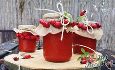 Home made rosehip jam NejRecept. Home Canning, Preserves, Food And Drink, Homemade, Christmas Ornaments, Fruit, Gluten Free, Holiday Decor, Cooking