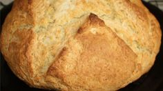 Easy Irish Soda Bread The batter for this unadulterated soda bread features buttermilk for a special richness.The batter for this unadulterated soda bread features buttermilk for a special richness. Bread Recipes, Baking Recipes, Top Recipes, Irish Soda Bread Recipe, Irish Bread, Good Food, Yummy Food, Tasty, Fun Food